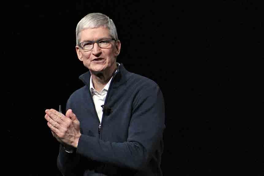 Apple share price gains momentum ahead of earnings release