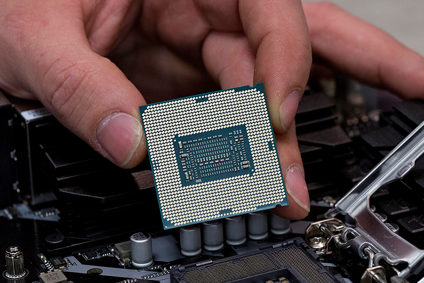 How is the semiconductor theme affecting Intel's share price?