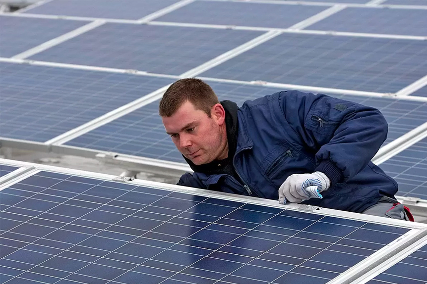 Is the Enphase Energy share price a long-term solar star?