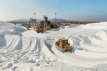 Can carmakers line up with lithium stocks to...