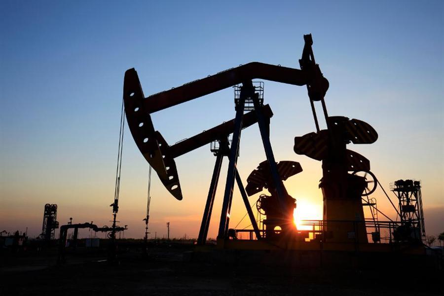 Argaam – Oil falls below $80 amid rising US...