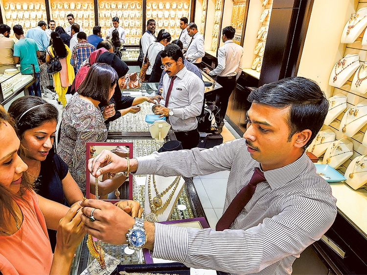 Gulf News – Bargains await UAE residents as...