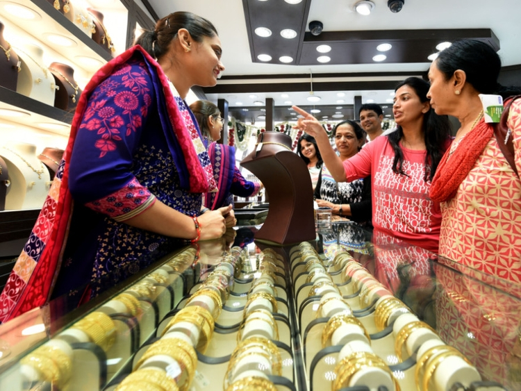 Gulf News – UAE gold prices ease: Is it best...