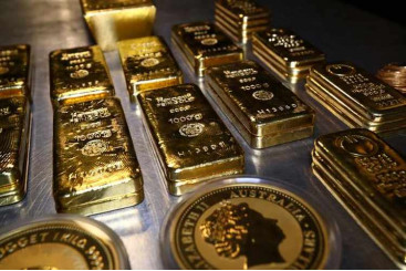 Zawya - Gold price nears $2,000: Should...