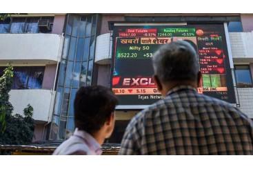 Khaleej Times  - HDFC, RIL drive Sensex...