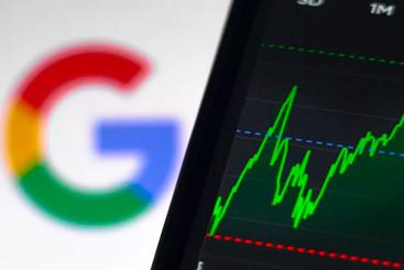 Will Loss of App Revenue Hit Alphabet's Share Price?